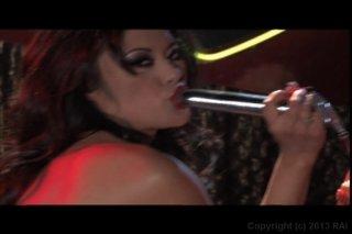 Streaming porn video still #4 from Kaylani Tonight