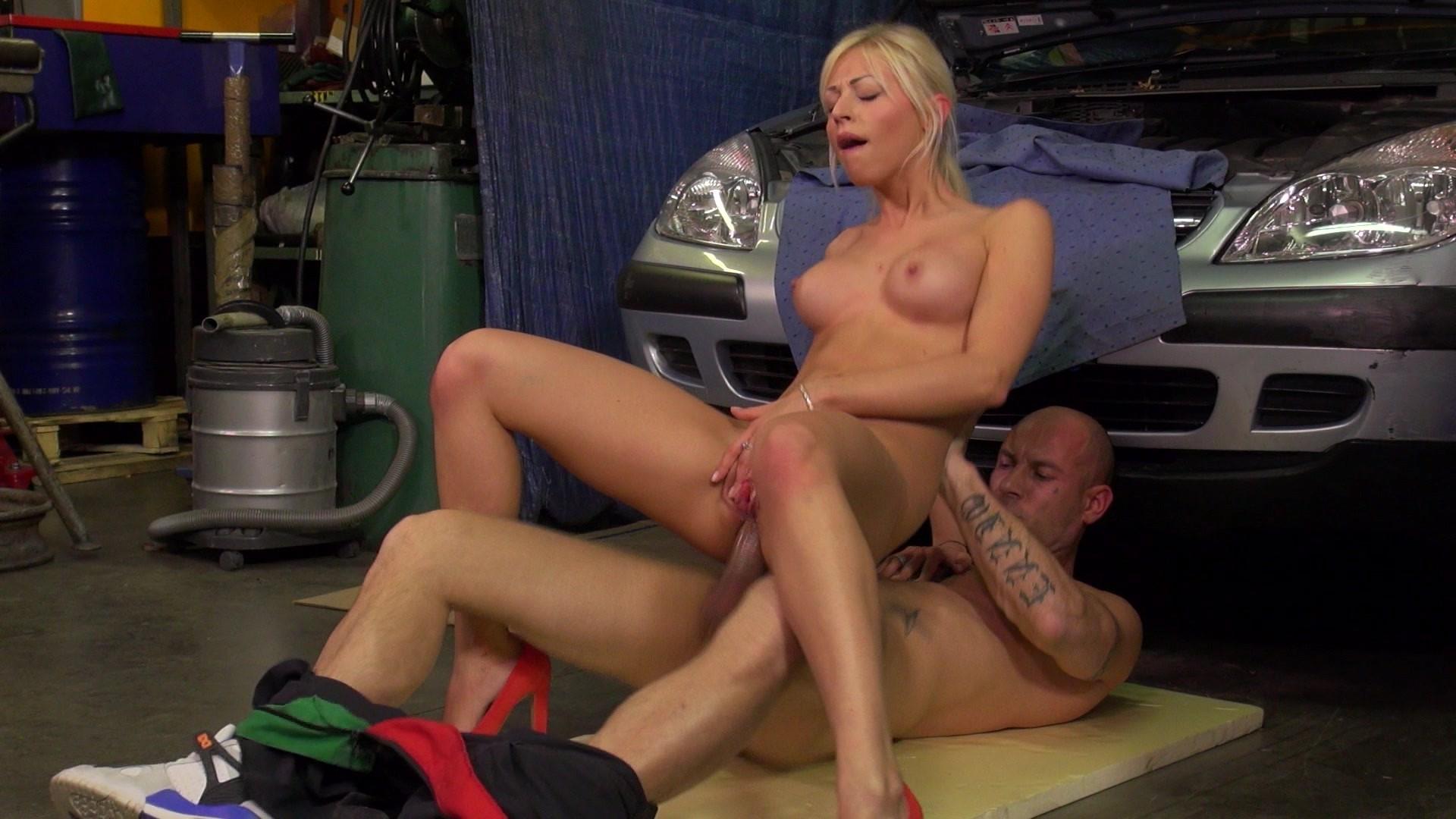 mechanics-nude-porn-movie-video-naked-goth-weman