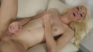 Streaming porn video still #9 from Holly Parker 5