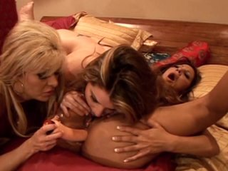 Streaming porn video still #6 from Tittylicious - 6 Hours