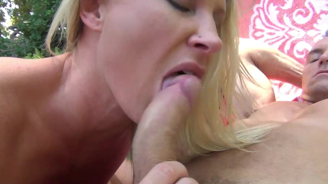 Soccer Mom Deepthroats On Cell Phone Vid Daily Porn Source