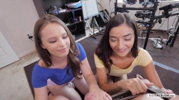 Elastic Latina Teen Emily Willis in schöner POV-Action