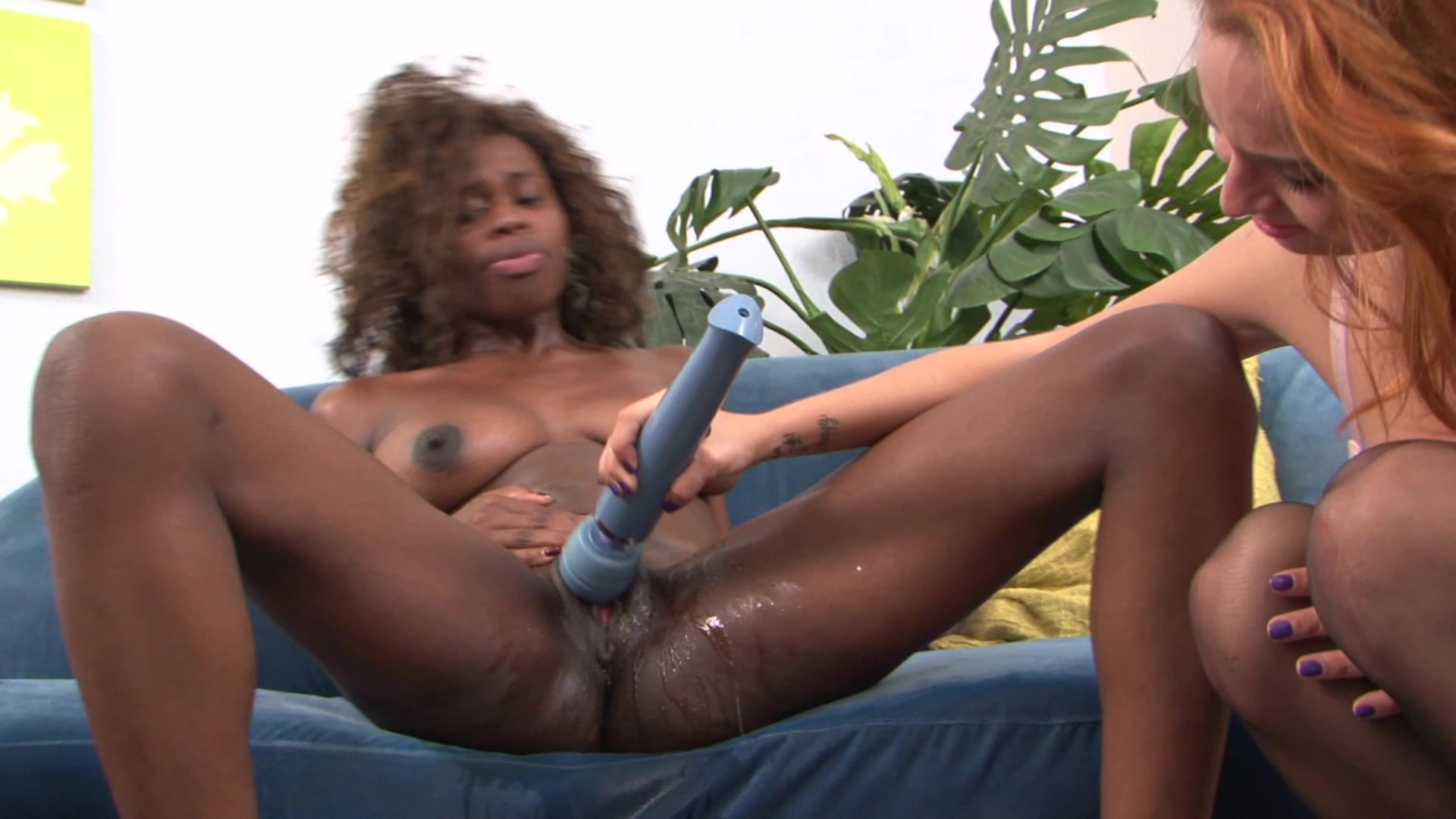 Cytherea lesbian squirting