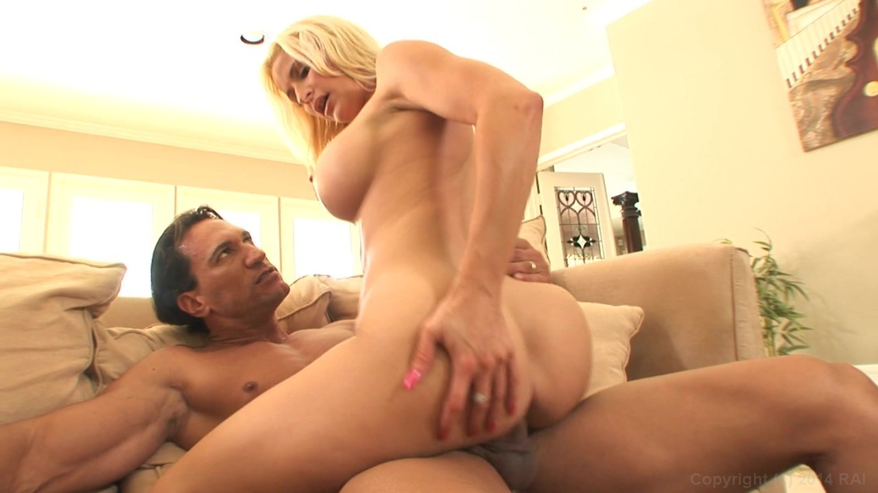 Alisandra gets nailed by james deen