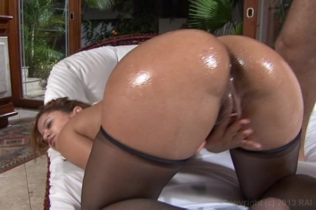 Streaming porn video still #4 from Big Wet Brazilian Asses! 4