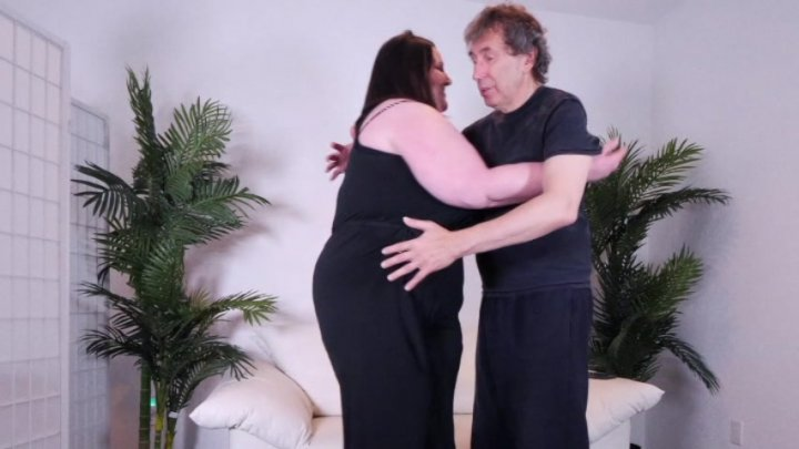 Streaming porn video still #2 from Scale Bustin Babes 74