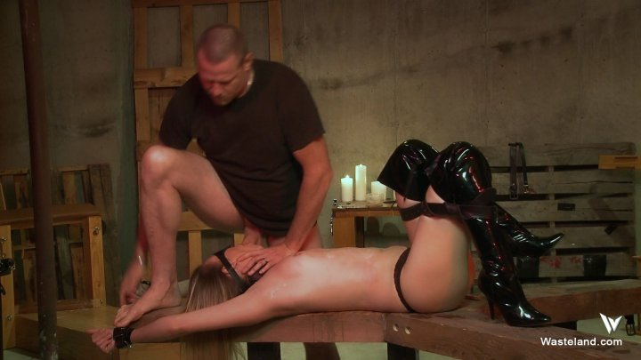 Streaming porn video still #4 from Dominating Daisy Layne