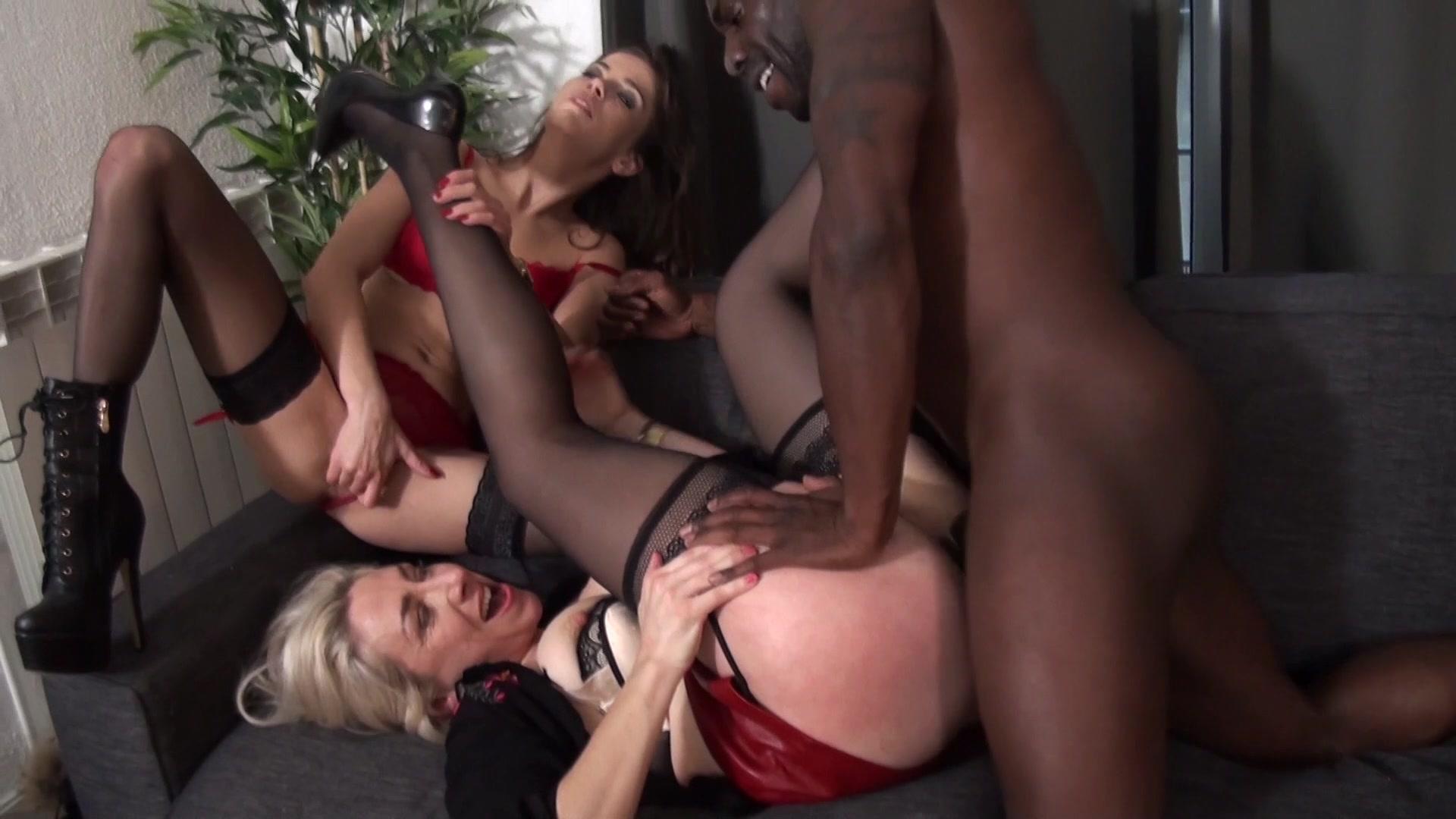 Free hq super hot boss julie skyhight porn photo