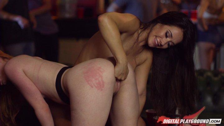 Streaming porn video still #1 from Bulldogs
