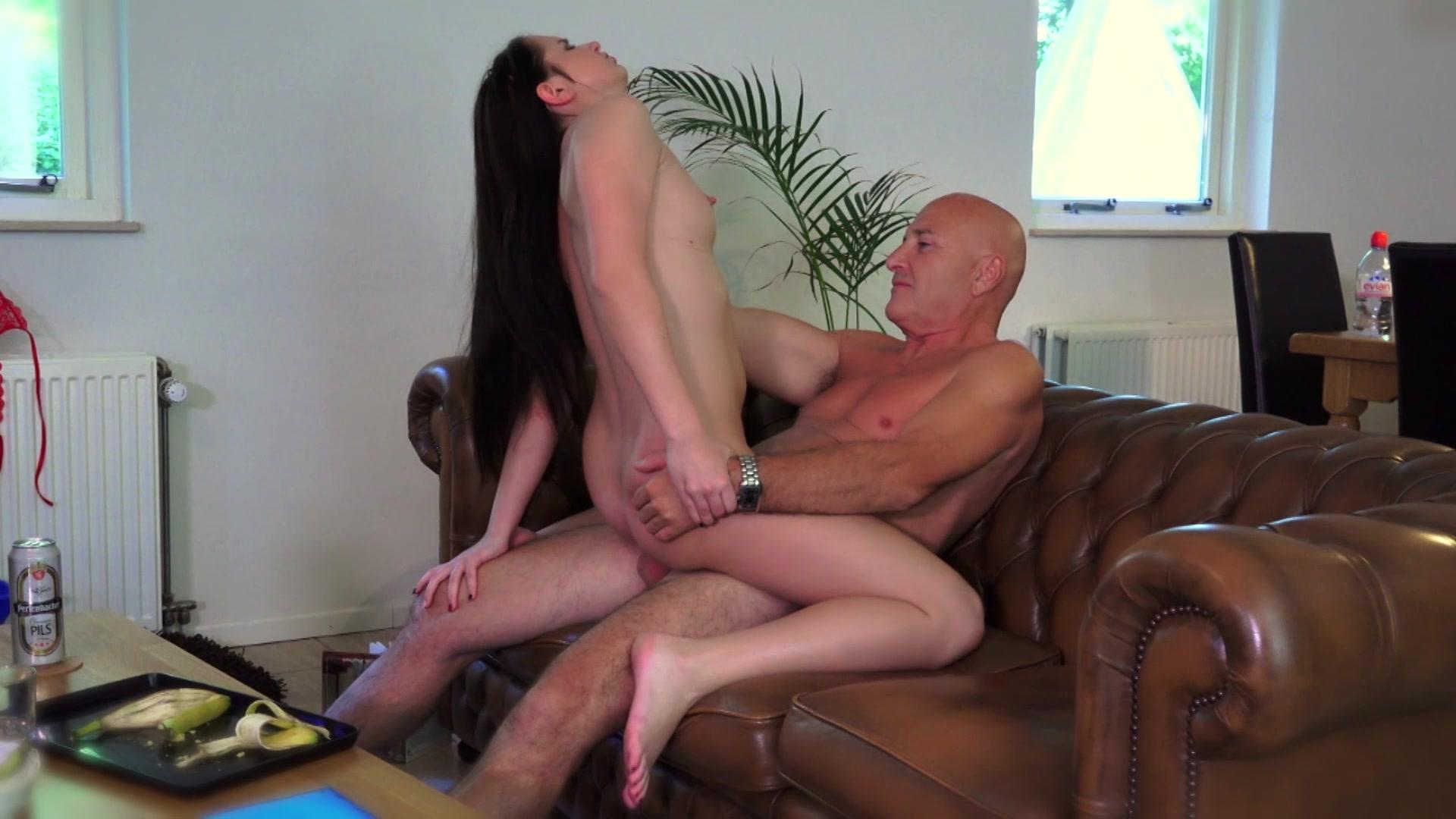 Mature porn and free older women sex pics