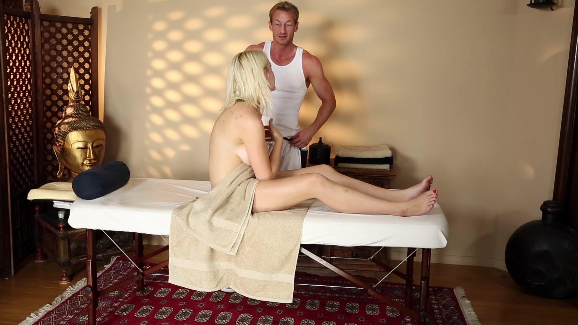 Very Tricky Spa Of Pleasing Masseur