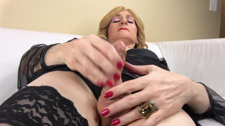 Streaming porn video still #6 from TGirl 40