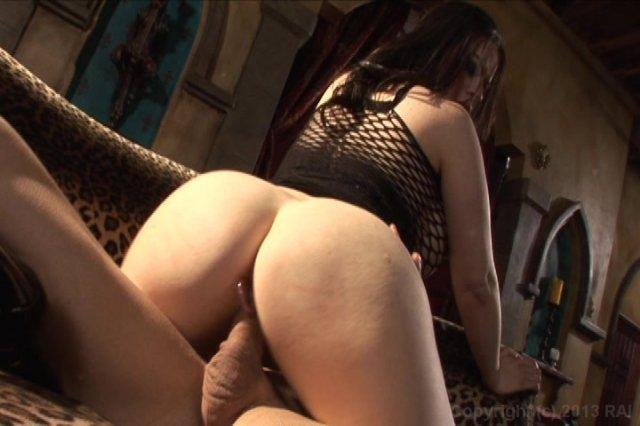 Streaming porn video still #2 from Kink