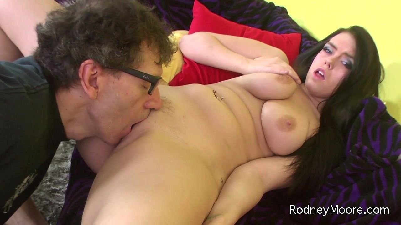 rodney-moore-twin-sex-free-mature-solo-thumpnail-gallerie