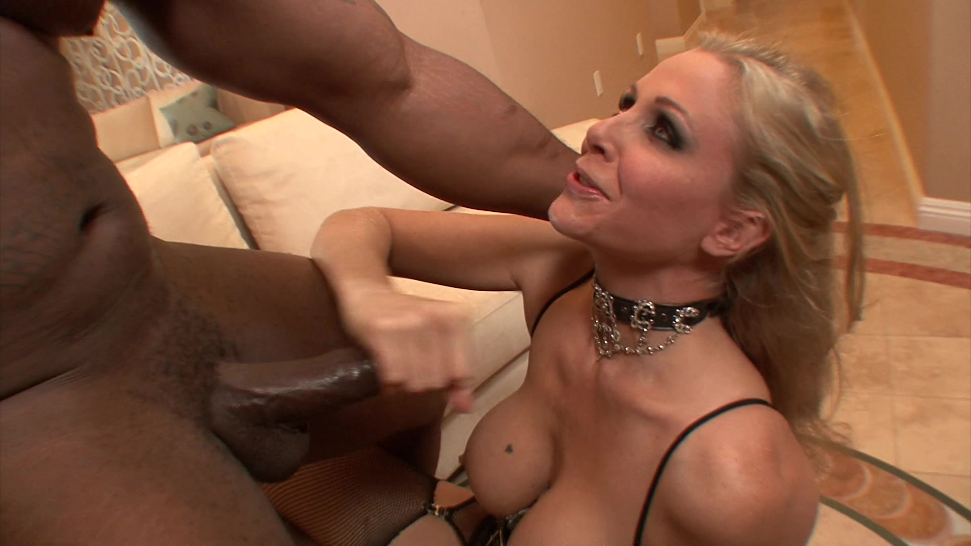 Hot Classy Milf Julia Ann Takes A Cock In Her Mouth Hands