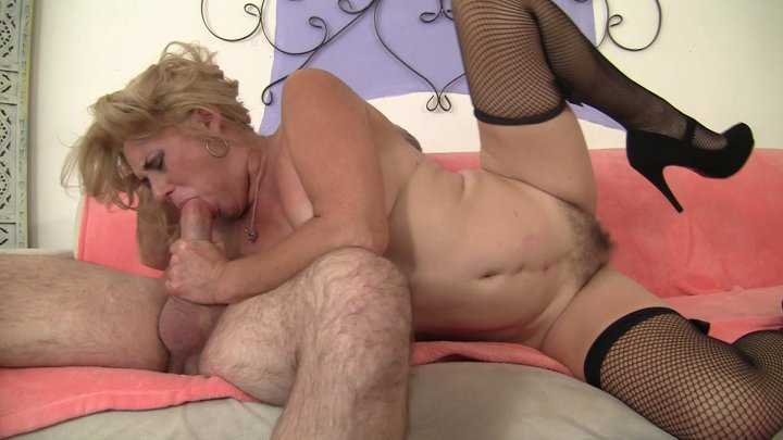 Streaming porn video still #2 from Mature Pink 2