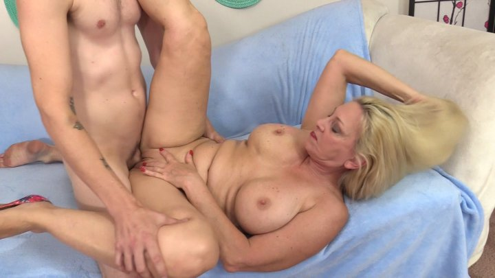Streaming porn video still #3 from Mature Pink 2
