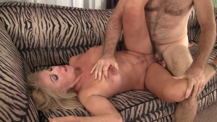 Streaming porn video still #1 from Mature Pink 2