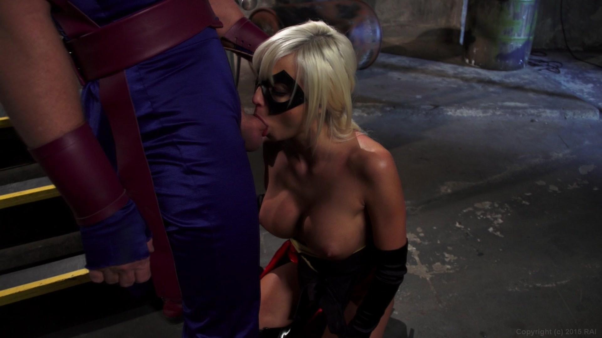 Teen Shaking Her Ass