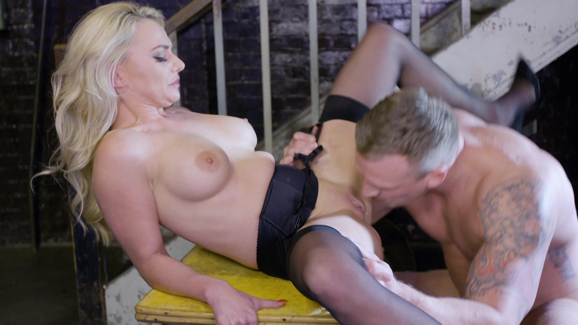 Mykiwis Porno Show social media sexy influencers | private | adult dvd empire