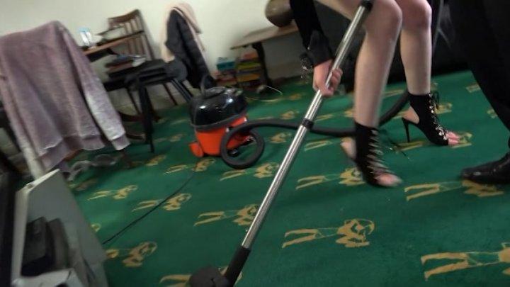 Streaming porn video still #1 from Skinny Trash