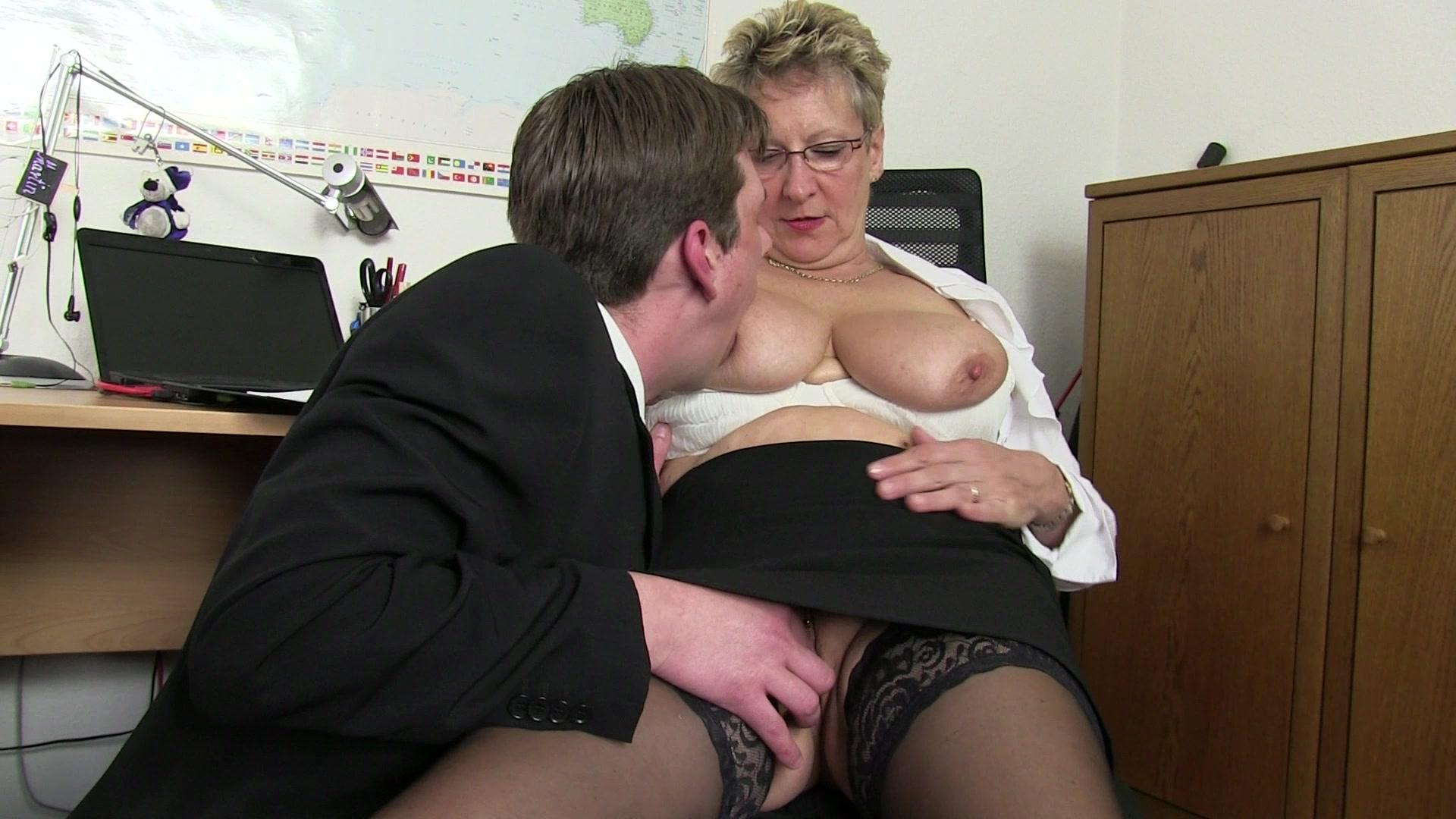 Sex Im Buro Video 55