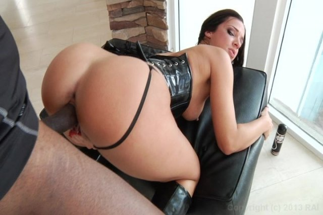 Streaming porn video still #2 from Massive Anal Booty.
