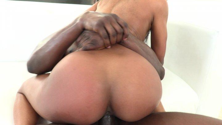 Streaming porn video still #1 from Black Beauties