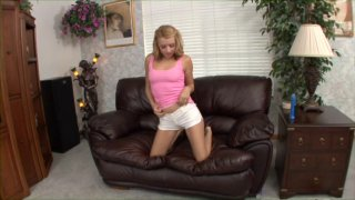 Streaming porn video still #4 from Solo Satisfaction 2