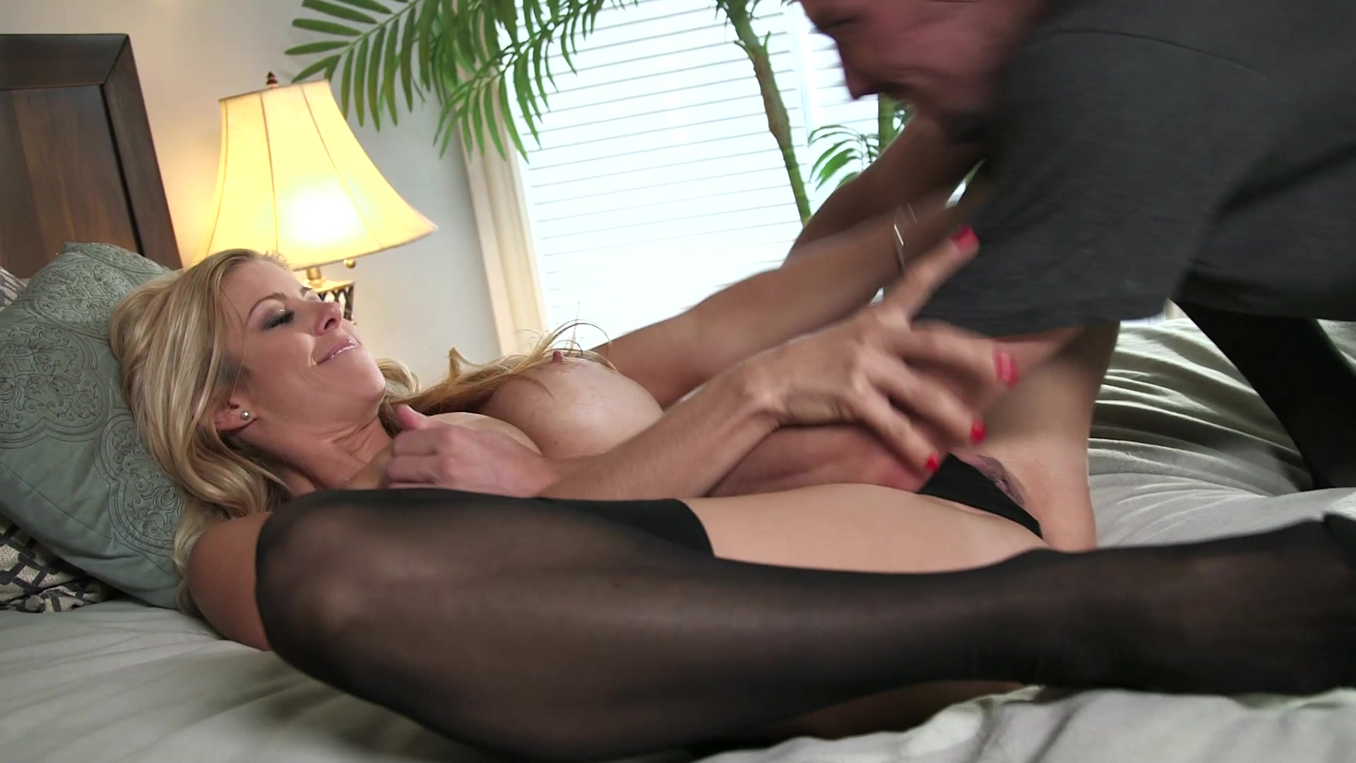 mixed race girl naked porn