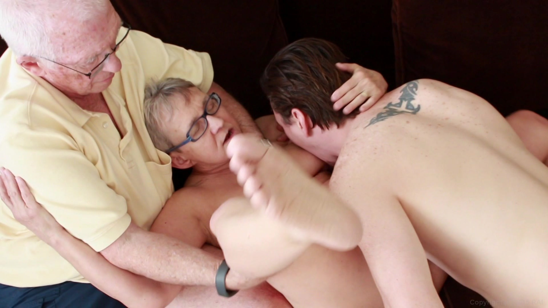 Real cuckold old lady | Sex pics)