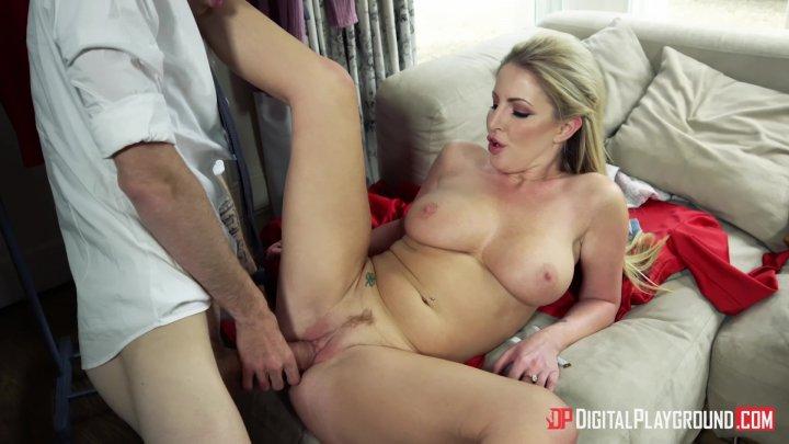Streaming porn video still #4 from Pornstar Confidential 2