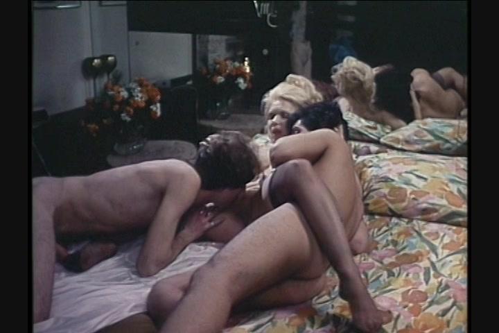 Showing porn images for jennifer welles vintage porn