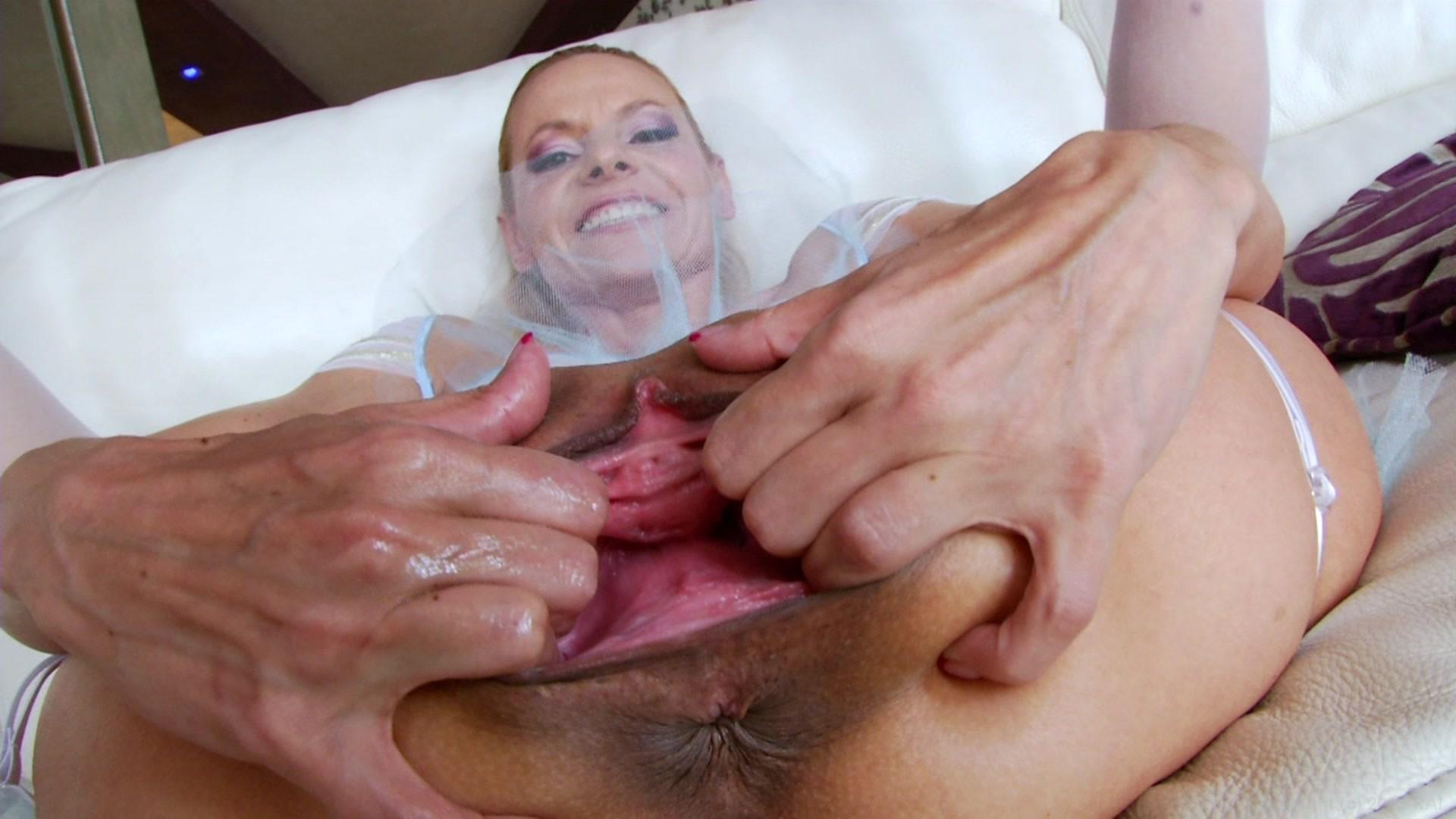 улице фото порно секс женщина с двумя влагалищами такого