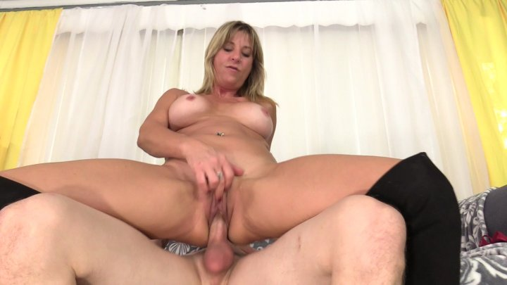 Streaming porn video still #1 from Old Pussy 2