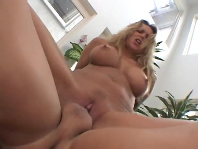 Streaming porn video still #1 from Oh Momma!