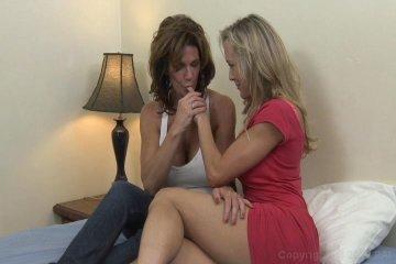 Kayla Deauxma lesbian and