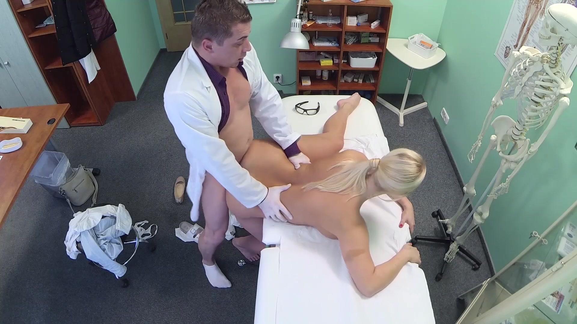 смотреть как ебут медсестер на скрытую камеру вас уже