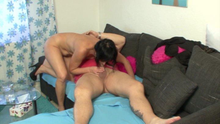 Streaming porn video still #1 from Verliebt verlobt verfickt!