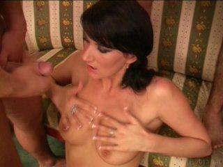 Screenshot #24 from Club Bi Sex