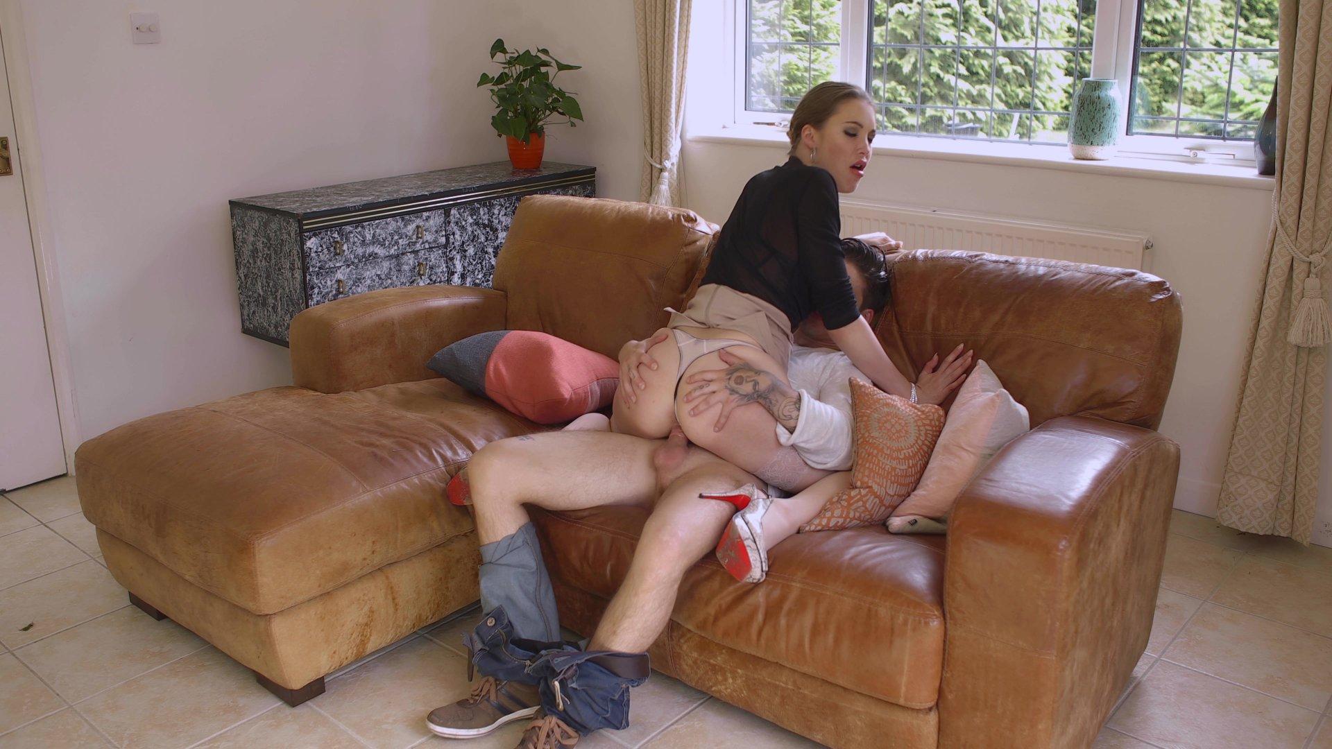zhena-spit-s-sosedom-porno-sbornik-russkiy-konchayut-v-vaginu