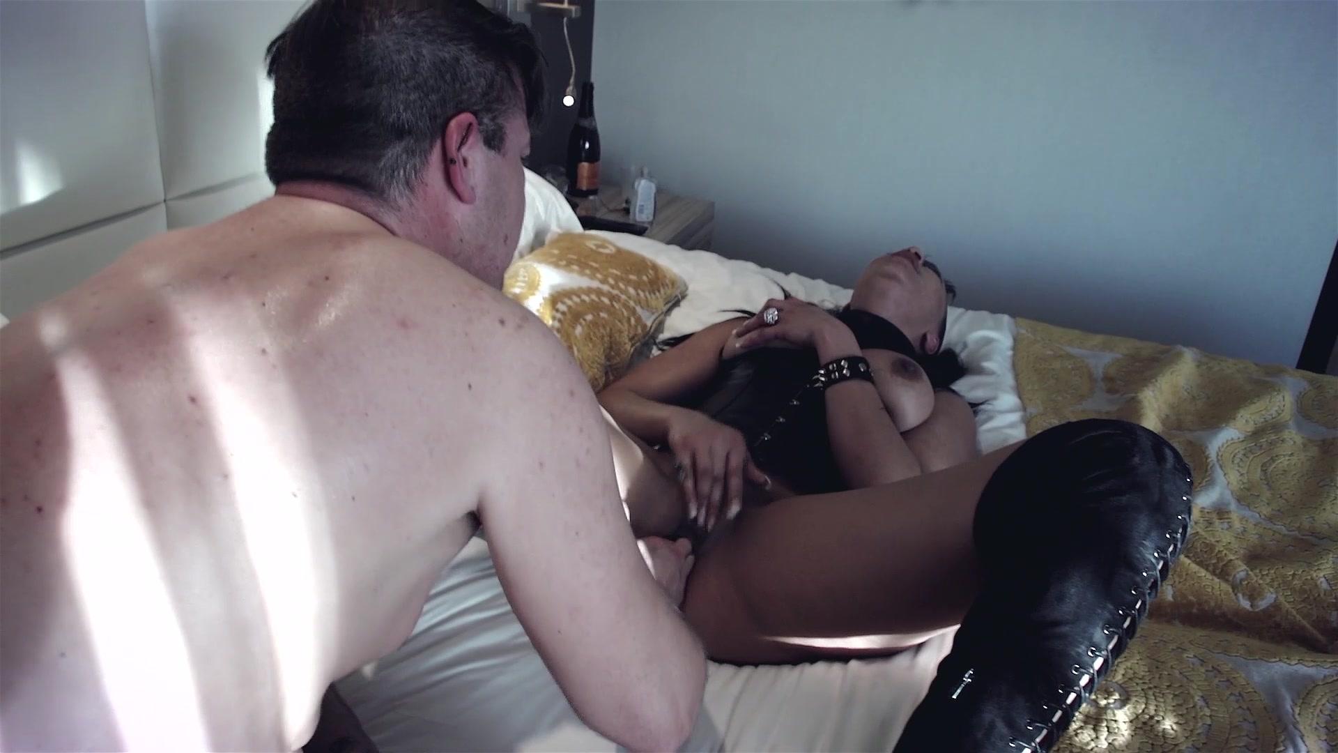 Jessica A Blowjob Room Service