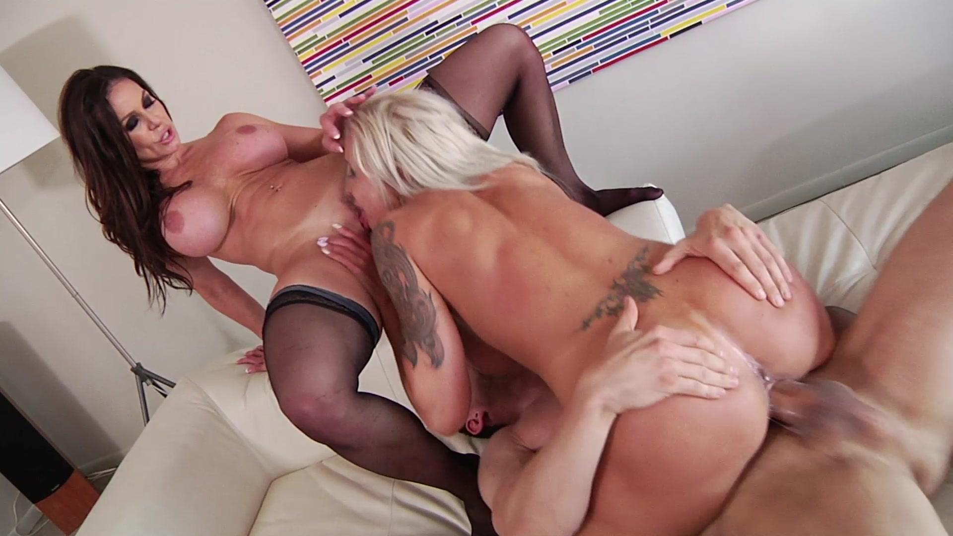 big dick threesome free porno transexual