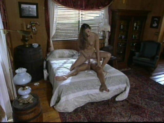 Streaming porn video still #1 from La Femme Chameleon