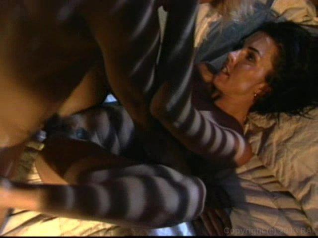 Streaming porn video still #4 from La Femme Chameleon