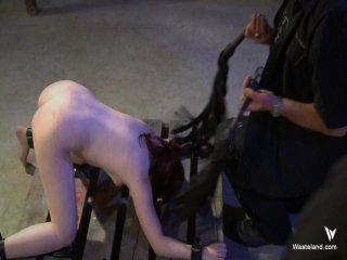 Screenshot #9 from Captive Desire