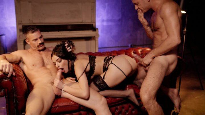 Streaming porn video still #1 from Female Submission
