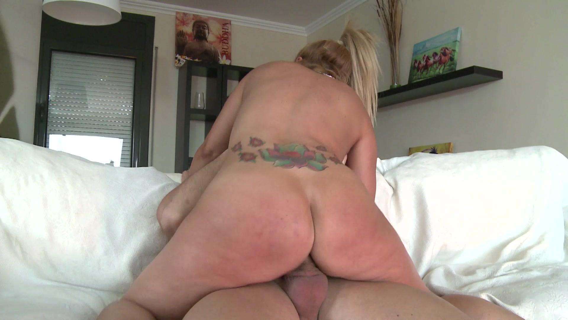 Young boys who love older guy suck their cock dry