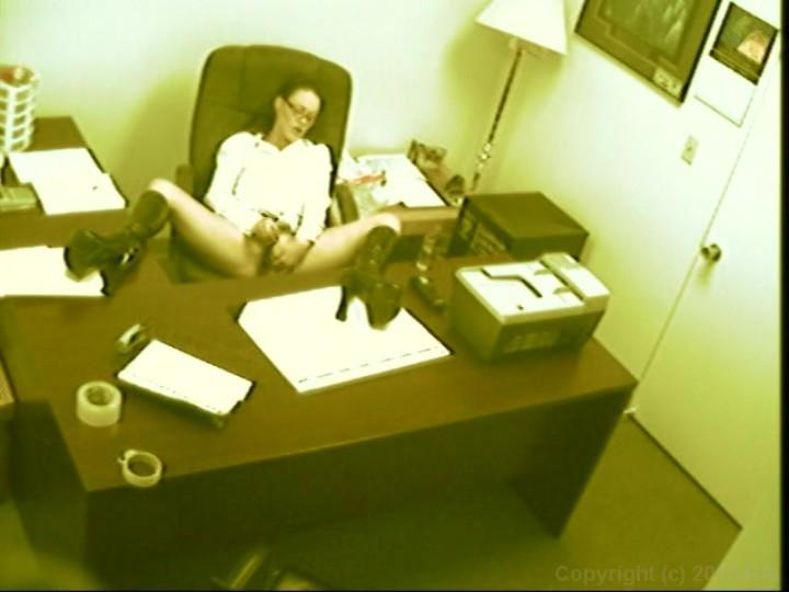 Скрытая камера в офисе просмотр мастурбации смотреть видео