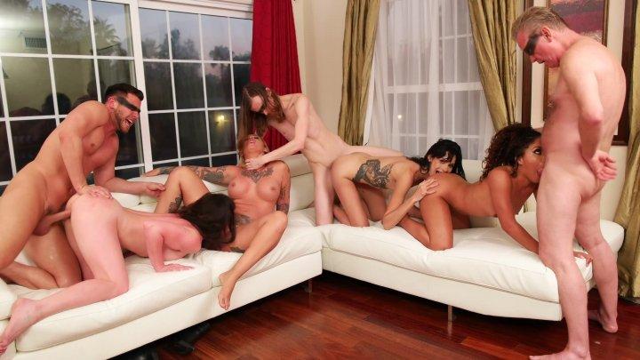 Streaming porn video still #2 from Fuck Club No. 4